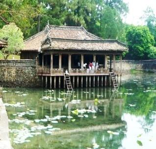 Description: Xung_Khiêm_Tạ_Lăng_Tự_Đức_webdulichhue_com